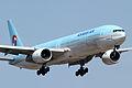 Korean Air B777-300(HL7534) (4651360559).jpg