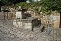 Léhon fontaine publique.JPG