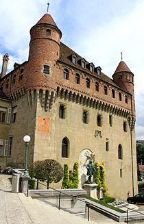 Lausanne, Château Saint-Maire, vue des escaliers.jpg