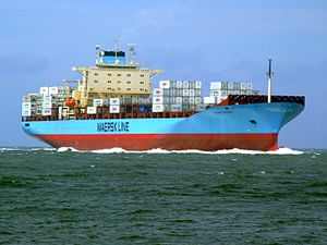 Laust Maersk p01 approaching Port of Rotterdam, Holland 14-Jul-2007.jpg