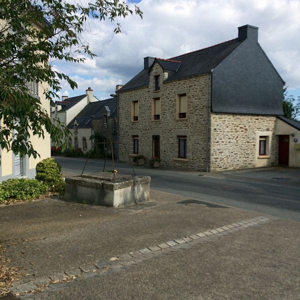 Photographie du village de Lauzach, rue