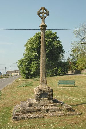 Leafield - Gothic Revival preaching cross on medieval steps and base