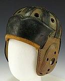 https://upload.wikimedia.org/wikipedia/commons/thumb/d/db/Leather_football_helmet_%28circa_1930%27s%29.JPG/130px-Leather_football_helmet_%28circa_1930%27s%29.JPG