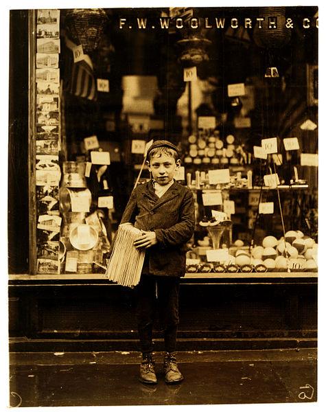 File:Lewis Hine, Simon Mellitto, age 10, newsboy, Philadelphia, 1910.jpg