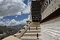 Lhasa-Potala-30-Treppen-2014-gje.jpg