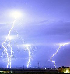 Lightning over Oradea Romania cropped.jpg