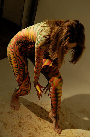 Body art - Image: Lizard body art