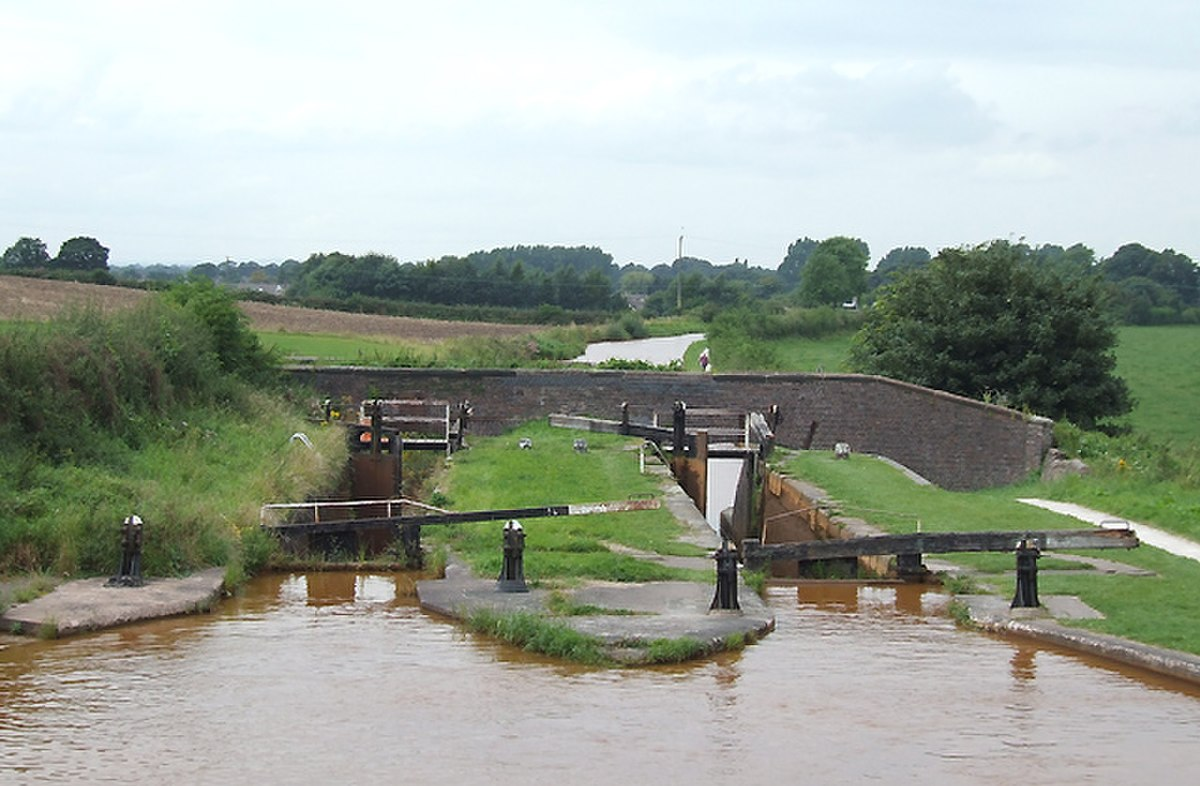 Lock No 48, Trent and Mersey Canal, Church Lawton, Staffordshire - geograph.org.uk - 576451.jpg
