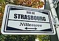 Luxembourg, rue de Strasbourg - Nilleswee (nom de rue).jpg