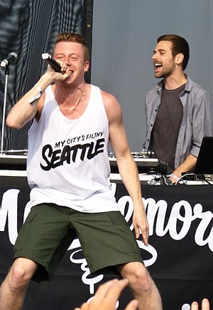 MTV Video Music Award for Best Hip-Hop Video - Image: Macklemore & Ryan Lewis at Sasquatch 2011