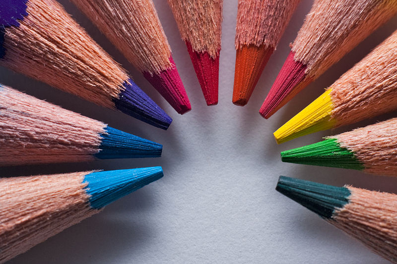 File:Macro of sharpened colored pencils arranged in a circle.jpg