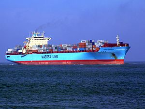 Maersk Greenock p3 approaching Port of Rotterdam, Holland 08-Apr-2007.jpg