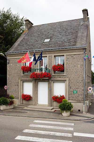 Français:  Mairie de Réville (France).