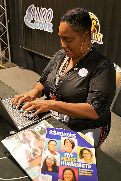 File:Mandisa Thomas Dragon Con 001.jpg