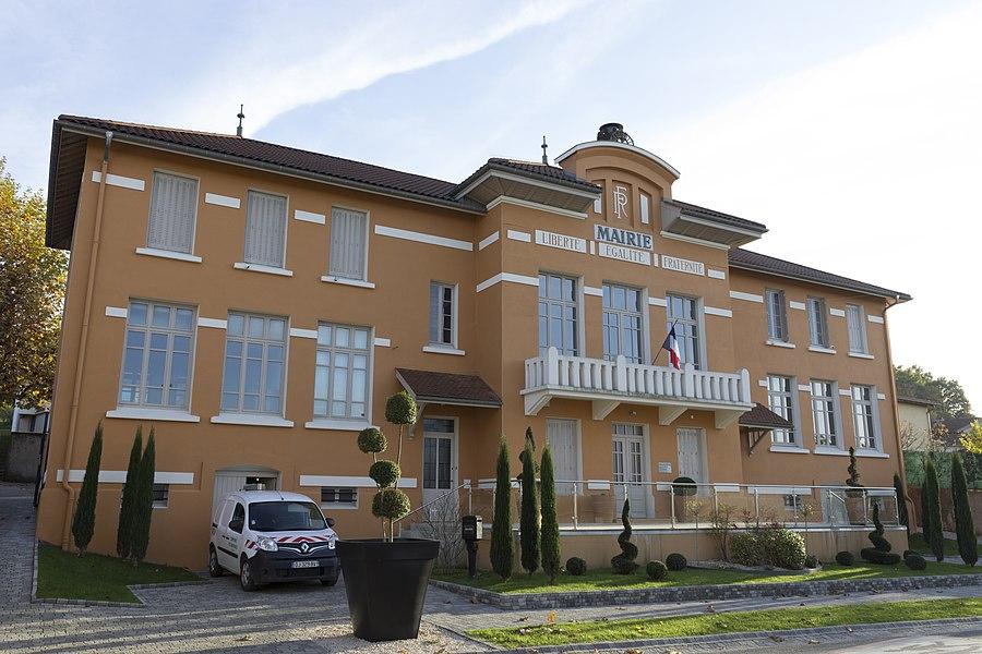 La mairie de Marennes.