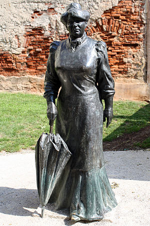 Marija Jurić Zagorka - The Statue of Zagorka in Zagreb