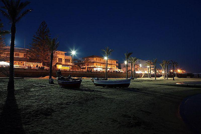 File:Marina di Ragusa.JPG