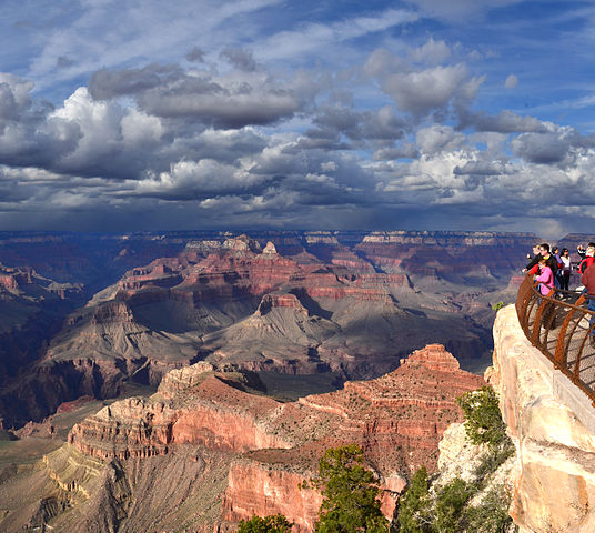 El Tovar on edge of Grand Canyon FamilyTravel.com