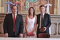 Mauricio Macri firma convenio con el Alcalde de Asunción del Paraguay (6483728073).jpg