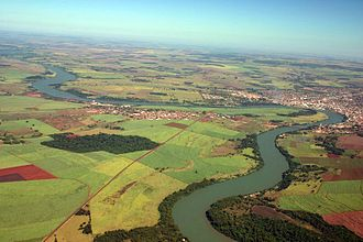 Paranaíba River - The Paranaíba river between Araporã and Itumbiara