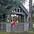 Memorial Lych Gate, Wootton - geograph.org.uk - 1610688.jpg
