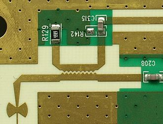 Power dividers and directional couplers - Image: Microstrip Sawtooth Directional Coupler