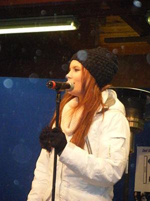 Minnah Karlsson - Minnah during a performance 2010
