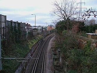 Mitcham tram stop - Image: Mitcham tramstop interlaced track west
