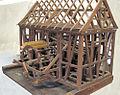 Modell eines Walkenmühlwerks mit Dachstuhl.jpg