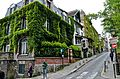 Montmartre hills to taverns, Paris 20 May 2014.jpg