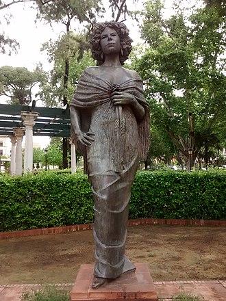Cayetana Fitz-James Stuart, 18th Duchess of Alba - Image: Monumento a la Duquesa de Alba, Sevilla 2