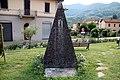 Monumento ai caduti di Piazza Trieste (Dicomano) 04.jpg