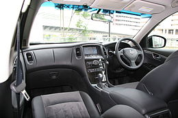 NISSAN SKYLINE CROSSOVER Black interior.jpg