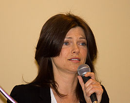 Nicole DeBoer at Toronto Comicon 1.jpg