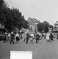 Oogstfeest in Raalte (volksdansen Grote Markt ), Bestanddeelnr 905-8950.jpg