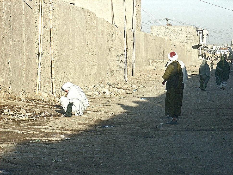 Open defecation in Tirin Kowt bazaar (4361881653)