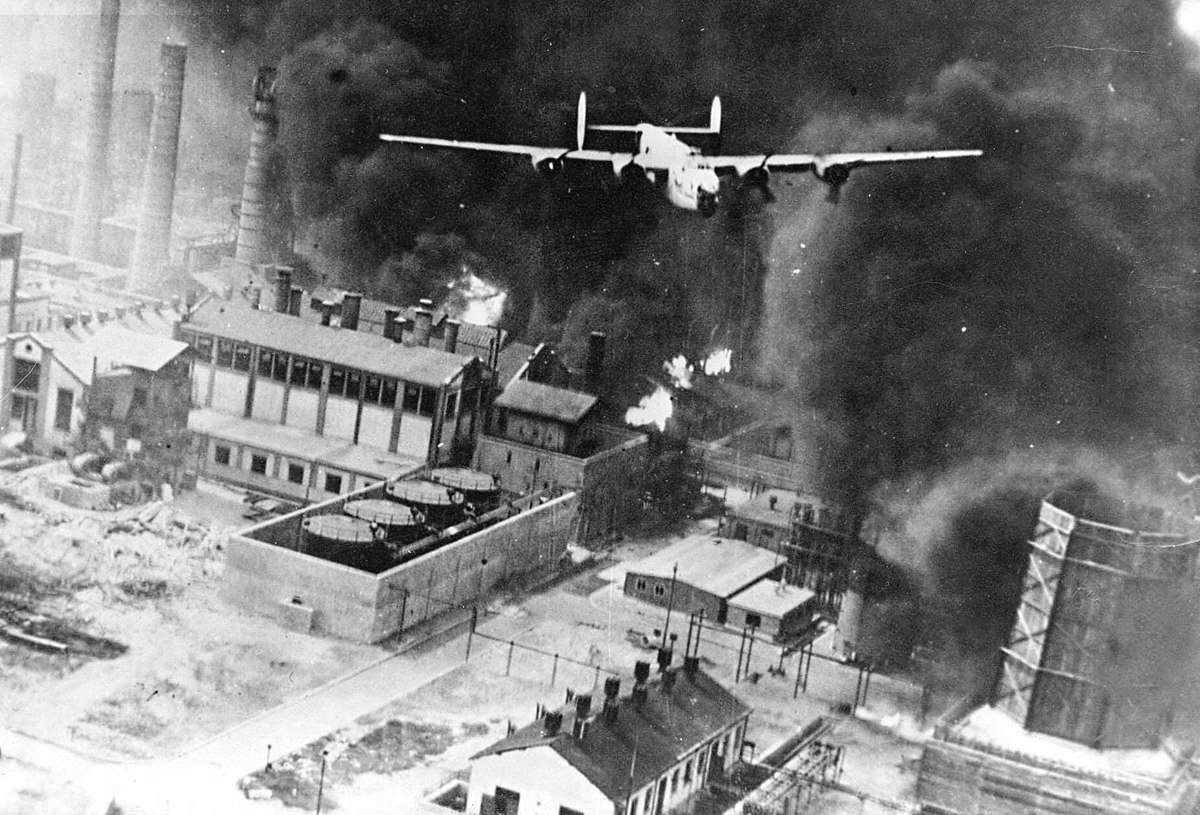 1200px-Operation_Tidal_Wave_in_1943.jpg