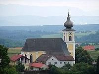 Ottnang Kirche Fernansicht.JPG
