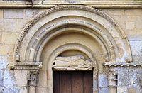 Ouézy église Saint-Pierre portail.JPG
