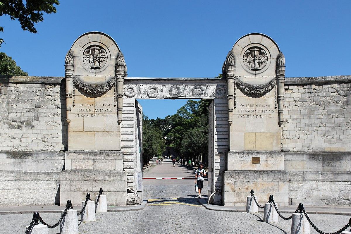 P re lachaise cemetery wikipedia - Cimetiere pere la chaise ...