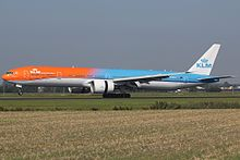 "PH-BVA KLM Royal Dutch Airlines ""Orange Pride"" (29069382963) (2).jpg"