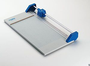 Paper cutter - A safety (rotary) paper cutter