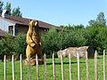 Parc animalier de Sainte-Croix-Statue d'ours.jpg