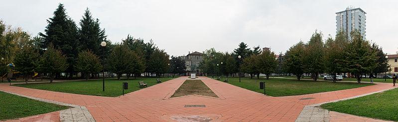File:Parco del Museo del Tessile.jpg