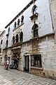 Parenzo, casa gotica lion, 1473, 01.jpg