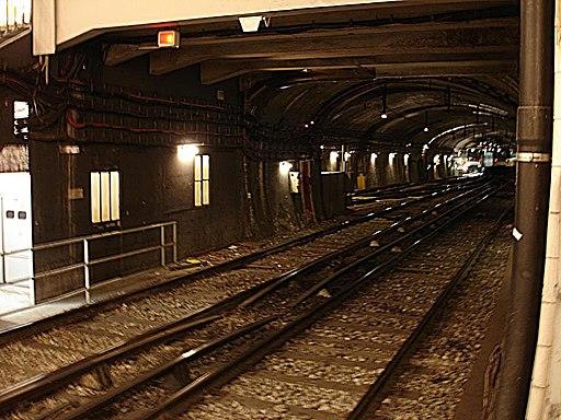 Paris Metro - Ligne 3 - station Pont de Levallois - Becon - tiroirs