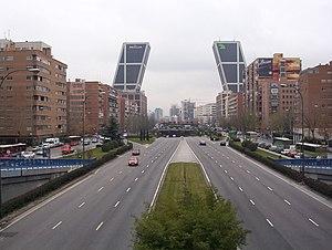 English: Paseo de la Castellana (avenue) in Ma...
