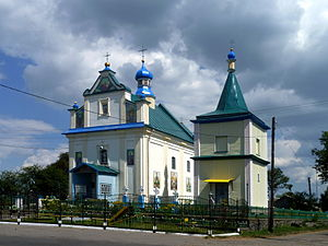Pavlivka Ivanychivskyi Volynska-Saint Michael church-south-west view.jpg