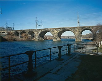 Pennsylvania Railroad, Connecting Railway Bridge - Pennsylvania Railroad, Connecting Railway Bridge from the southeast in 1999.
