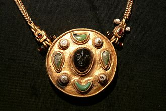 Ancient towns in Saudi Arabia - A necklace from Thaj (1st century AD)